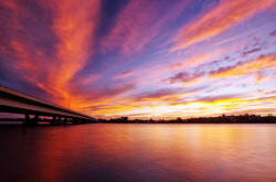 FEA-0007264 © WestPix Beautiful Perth sunset at Mount Henry bridge.  Picture: Shaun Fearn
