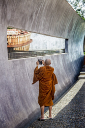 TWA-0022394 © WestPix Thai monks from the Wat Kao Jareantum temple visit the Baan Nam Khem tsunami memorial wall, north of Khao Lak. PIC BY: STEVE PENNELLS