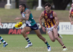 TWA-0072405 © WestPix Round 1 - Peel Thunder vs Subiaco - Bendigo Bank Stadium - Peel Thunder's Harley Bennell with Subiaco's Clancy Wheeler in pursuit. Picture: Michael O'Brien