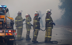 WAN-0000215 © WestPix Atwell fire Picture: Simon Santi/The West Australian 03/02/2014 ######