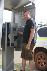 KGM-0031875 © WestPix Kalgoorlie-Boulder contractor David Simcox from Global Integrated Services installed parking meters at Kalgoorlie Boulder Airport yesterday. Picture: Elaine Cooney