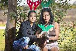 KGM-0037317 © WestPix Santa Paws preview, Karin Aranibar and Abby Buccilli with Bruno. (Picture: Louise White) 4th December 2017