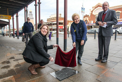 KGM-0041151 © WestPix Chamber of Minerals and Energy manager Rowena Olsen, Eastern Goldfields Historical Society's Jan Lamont and mayor John Bowler reveal Eileen Joyce as the latest addition to the Walk of Fame on Hannan Street. Picture: Kelsey Reid