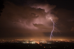 SMI-1400879 © WestPix Huge lightning strike over the southern suburbs. Photo taken from Lesmurdie Escarpment. Picture: Peta Smith