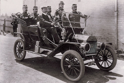 TWA-0004408 © WestPix Perth police set out to fight crime in a shiny Ford. 1911.  WAN Historical Archive.