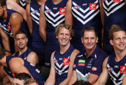 TWA-0084442 © WestPix David Mundy front and centre as the Fremantle Dockers pose for a photograph. PICTURE NIC ELLIS   THE WEST AUSTRALIAN