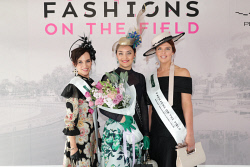 TWA-0088638 © WestPix Amelia Park Karrakatta Plate Day at Ascot Racecourse on Saturday April 14th, 2018. Elizabeth Winlo (1st Runner Up), Khristina Vasko (Winner) & Holly Kiely (2nd Runner Up) Picture: John Koh.