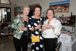 TWA-0088641 © WestPix Friends of Ngala Autumn Sundowner at Ardoss on Sunday April 15th, 2018. Pam Hunt, Ruth Sutton & Jan Emery  Picture: John Koh.