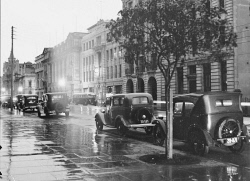 WAN-0006067 © WestPix Looking at Newspaper House on a wet day, 125 St George's Terrace, Perth. Circa 1930.  Picture by: Fred Flood