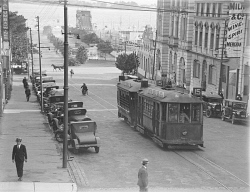 WAN-0006105 © WestPix Tram going south down William Street to White City. Circa 1920.  Picture by: Fred Flood