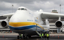 WAN-0026596 © WestPix The Antonov An-225 Mriya - the largest aircraft in the world and the only one of its type - lands at Perth Airport on Runway 21. Airport workers are dwarfed by the Antonov. 15 MAY 2016 Picture: Danella Bevis The West Australian