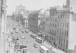 WAN-0031729 © WestPix ST GEORGE'S TERRACE IN DECEMBER 1938. YOU CAN SEE NEWSPAPER HOUSE, THE WEST AUSTRALIAN BUILDING.