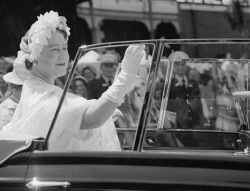 WAN-0031743 © WestPix THE QUEEN MOTHER DURING VISIT TO PERTH IN 1958. 7 MARCH 1958.