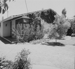 WAN-0031759 © WestPix 1968 HOME OF THE YEAR AWARD - HOUSE AT 57 NAPIER STREET, COTTESLOE. OWNER SUE PREVOST. 14 DECEMBER 1968.